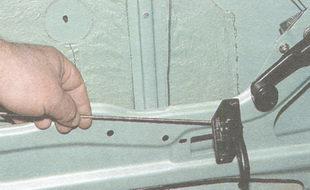 тяга внутренней ручки замка