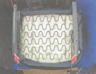 болты крепления ползунов салазок к каркасу подушки
