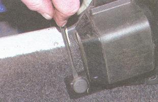 декоративная накладка болта крепления инерционной катушки ремня безопасности
