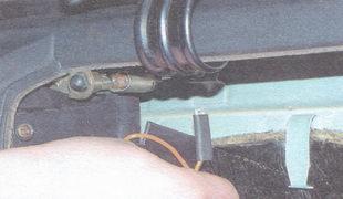 наконечник провода лампы подсветки вещевого ящика