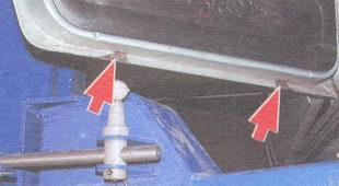 дренажные отверстия левой задней двери