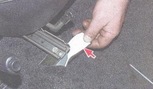 «язычки» коврика пола