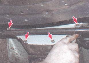 болты крепления крышки картера сцепления