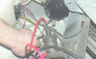 гайка крепления провода распределителя зажигания