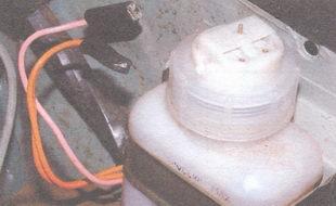 провода датчика уровня тормозной жидкости