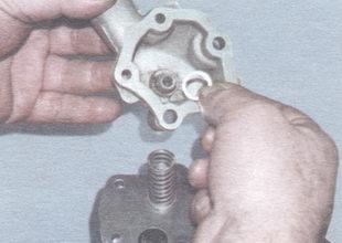 приемный патрубок - шайба редукционного клапана