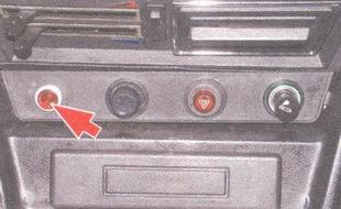 сигнализатор падения уровня жидкости в тормозном бачке
