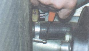 шланг нижнего патрубка радиатора