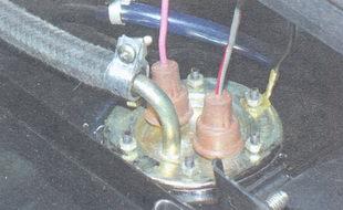 патрубок топливоприемной трубки