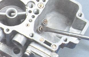 главный топливный жиклер первой камеры карбюратора