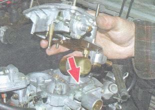 проверка уровеня бензина в карбюраторе