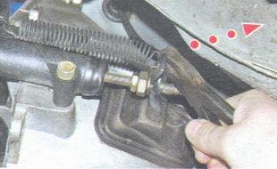 оттяжная пружина вилки выключения сцепления