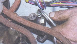 гайка крепления трубопровода главного цилиндра сцепления