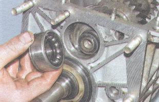 наружное кольцо подшипника с шариками и передним внутренним кольцом
