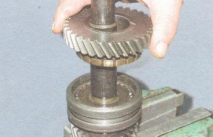 шестерня I передачи в сборе с блокирующим кольцом синхронизатора