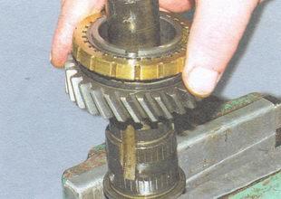 шестерня II передачи в сборе с блокирующим кольцом синхронизатора